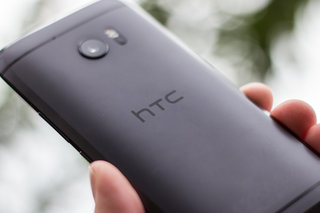 HTC Marlin spotted in real life, teasing next Nexus specs