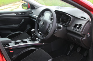 renault megane 2016 review image 15