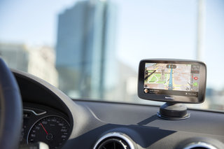 TomTom Go adds Wi-Fi, smartphone notifications and Siri, Google, Cortana voice controls