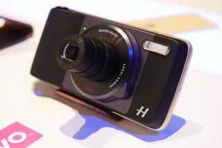 Hasselblad True Zoom preview: The 10x optical zoom Moto Mod is finally here