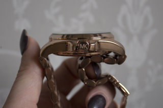michael kors access bradshaw review image 3