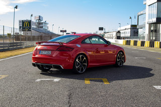 audi tt rs review image 23