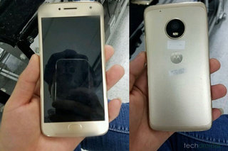 This awesome photo leak shows a forthcoming 2017 Moto handset