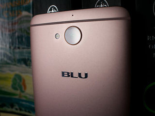 blu vivo 6 review image 2