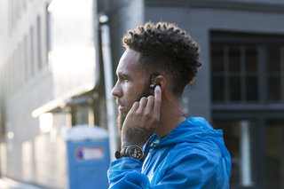 New Balance RunIQ Android Wear smartwatch and PaceIQ headphones are all about runners