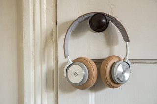 B&O BeoPlay H7 review: Not at the top of its game