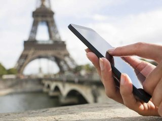 EU roaming charges will end this year, standardised wholesale prices to come into effect