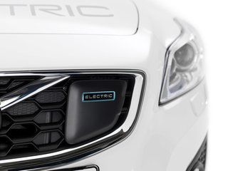Volvo electric car targets 250 miles, mass-market pricing, 2019 launch