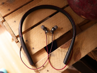 sennheiser momentum in ear wireless review image 1