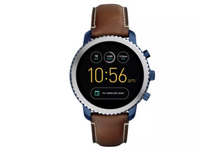 Fossil bets the house on smartwatches and hybrids, adds Instagram watch faces for 2017