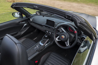 abarth 124 spider interior image 2