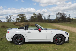 abarth 124 spider review image 5