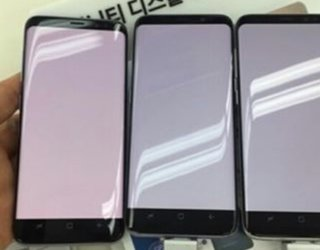 Does the Samsung Galaxy S8 display have a noticeable red tint problem?
