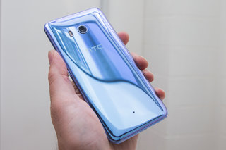 HTC U11 preview: Easy squeezy, liquid surface pleasy