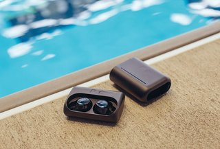 bragi dash pro wireless earbuds offer real time translation and more image 4