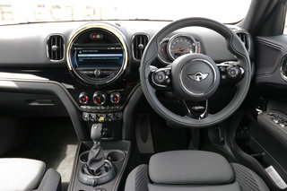 Mini Countryman Cooper S E electric interior image 1