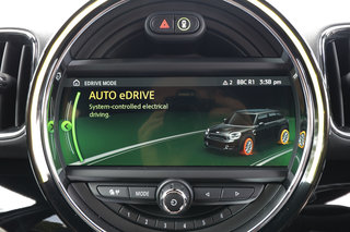 Mini Countryman Cooper S E electric tech infotainment image 1