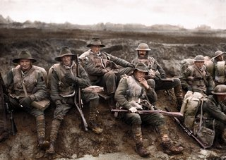 Colourised Photos From History image 16