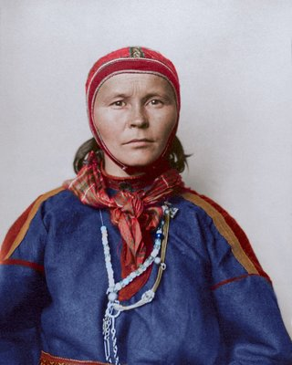 Colourised photos from history image 37