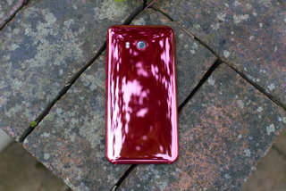 HTC U11 Solar Red image 4