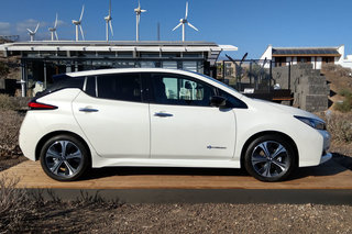 new nissan leaf 2018 release date specs and everything you need to know pocket lint. Black Bedroom Furniture Sets. Home Design Ideas