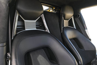 Ford GT interior image 3