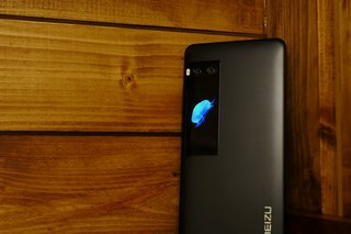 Meizu Pro 7 review: Flicking two screens up at smartphone unifo