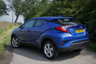 Toyota C-HR review image 4