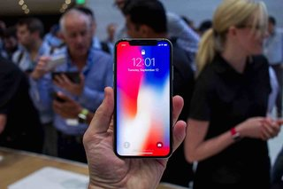 Apple Face ID works with sunglasses, can be disabled by gripping sides of iPhone X