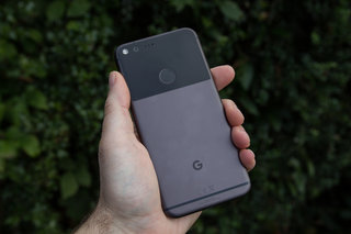 Google Pixel 2 details leak out: Bokeh blur, redone launcher, and more