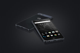 BlackBerry Motion all-touch phone now available to pre-order for £399
