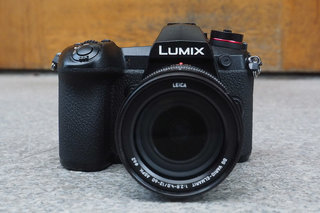 Panasonic Lumix G9 bridges the gap between mirrorless and DSLR for pros