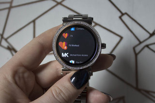 Michael Kors Access Sofie Review Stunning Smartwatch With Serious Sparkle image 8