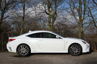Lexus RC300h review image 4