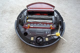 Irobot Roomba 980 Robot Vacuum Review underside and dust tray image 5