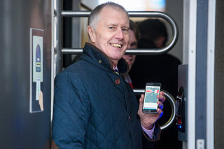 Wembley Stadium Now Offers Contactless Ticketing Through Wallet For Apple Watch And Iphone image 2