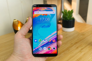 OnePlus 5T sold out, but O2 still has it