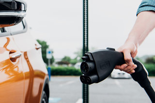 VW will install fast chargers for EVs at 100 US Walmart stores by 2019
