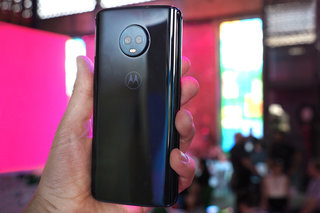 Motorola Moto G6 Plus review image 2