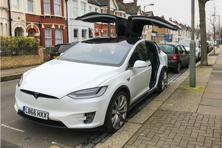 Tesla Model X review practical image 2