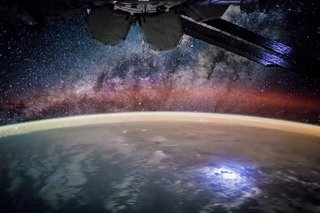Amazing images from the International Space Station image 39