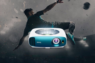 How to watch the football outside with the BenQ TK800 projector