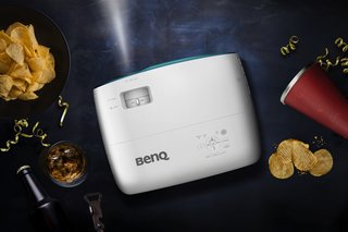 How to watch the football outside with the BenQ TK800 image 2