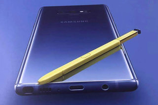 "This is what the ""gold"" Samsung Galaxy Note 9 looks like and it's actually blue"