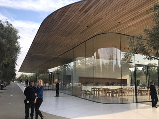 8 of the most stunning Apple stores around the world