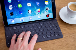 Is the iPad Pro set to dump the headphone jack, have vertical-only Face ID?