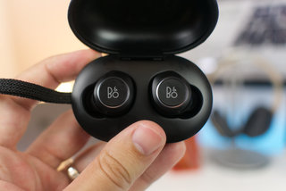 Beoplay E8 hardware image 1