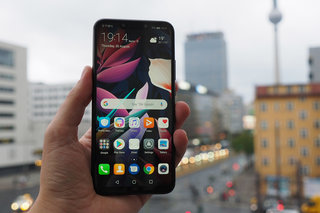 Huawei Mate 20 Lite review image 1