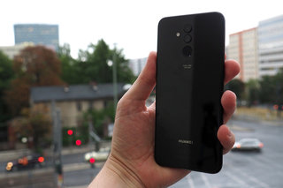 Huawei Mate 20 Lite review image 2