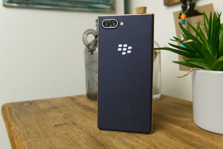 BlackBerry Key2 LE review image 4
